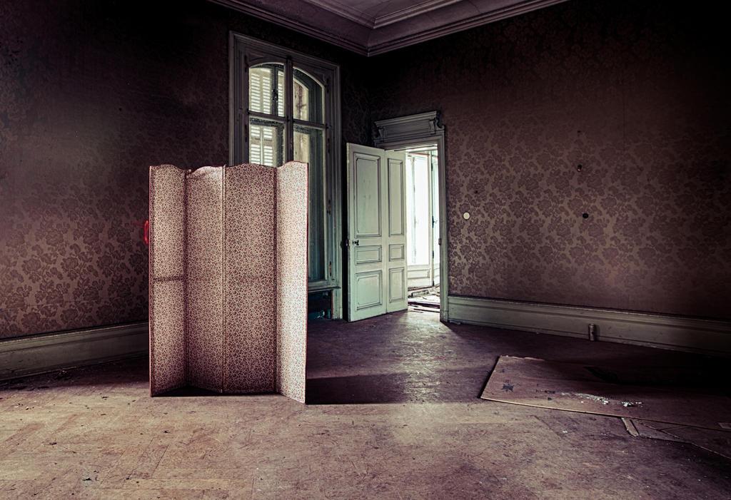 Intim. by RAGEkay