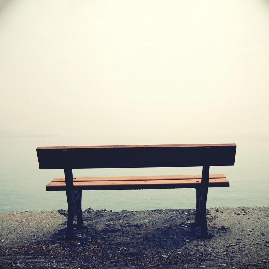 صندلی رو به دریا / تنها / خال / خسته شدی بس که بیراهه رفتی..چند دقیقه ای بشین..سرِ..جات!!!!