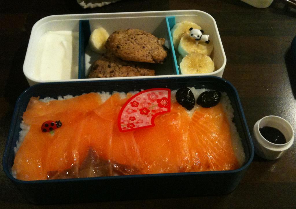 Salmon chirashi by Donniebellorniere
