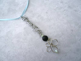 Stone Snowflake V -- Stealth Bubble Wand Necklace