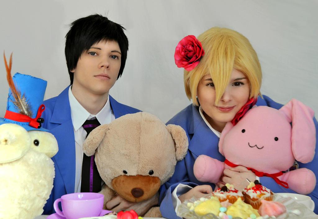 Honey-Senpai and Mori-Senpai - Tea party! by Millahwood