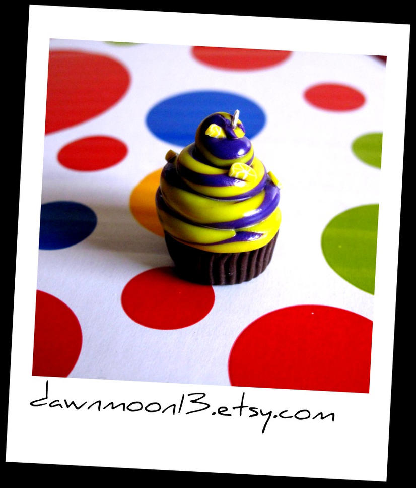Lemon Blackberry Swirl Cupcake by Dawnmoon13