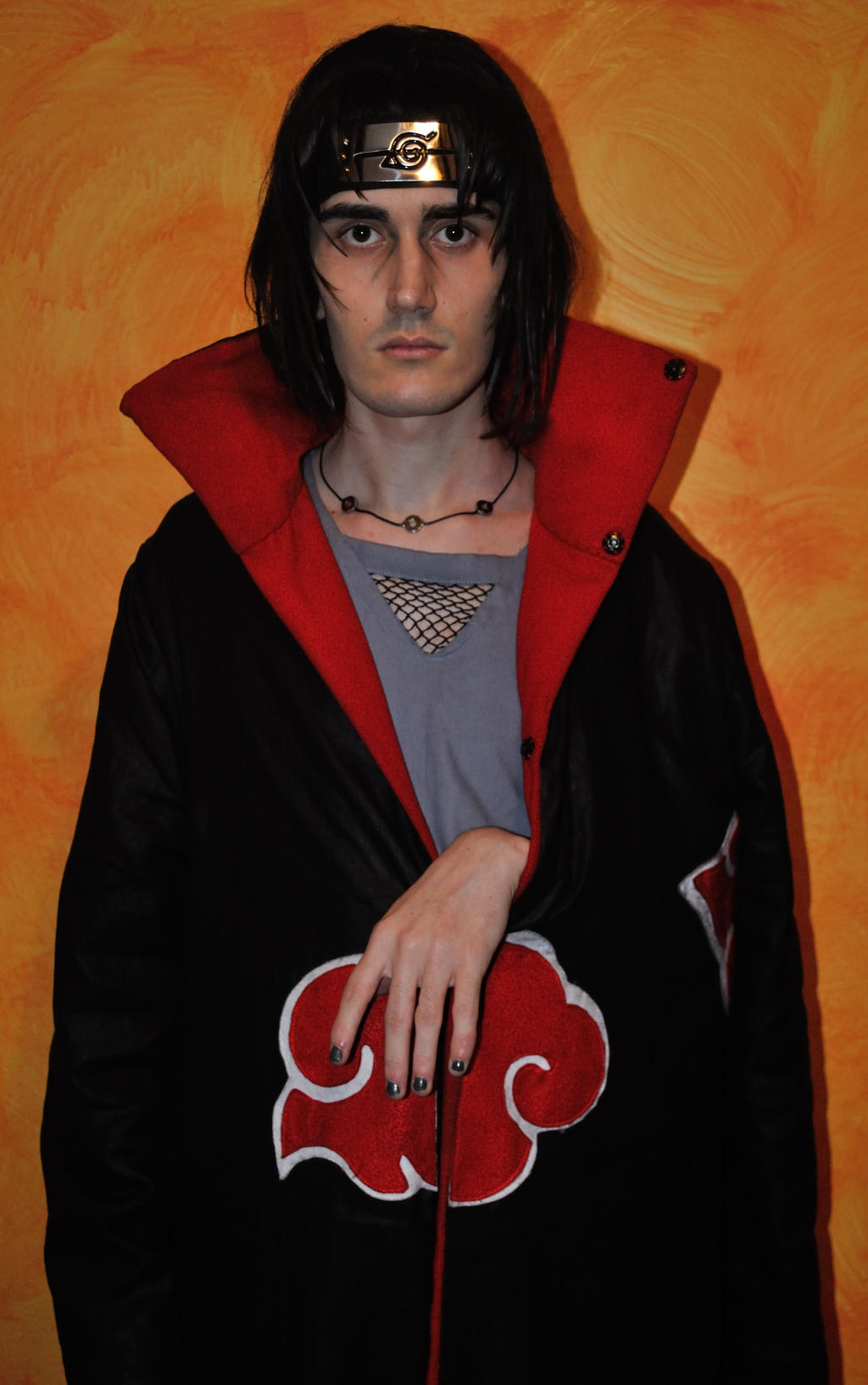 Itachi Uchiha Cosplay: Hand out of cloak pose by Lory1050 ...