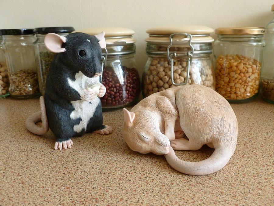 Pair of Rat Sculptures by philosophyfox