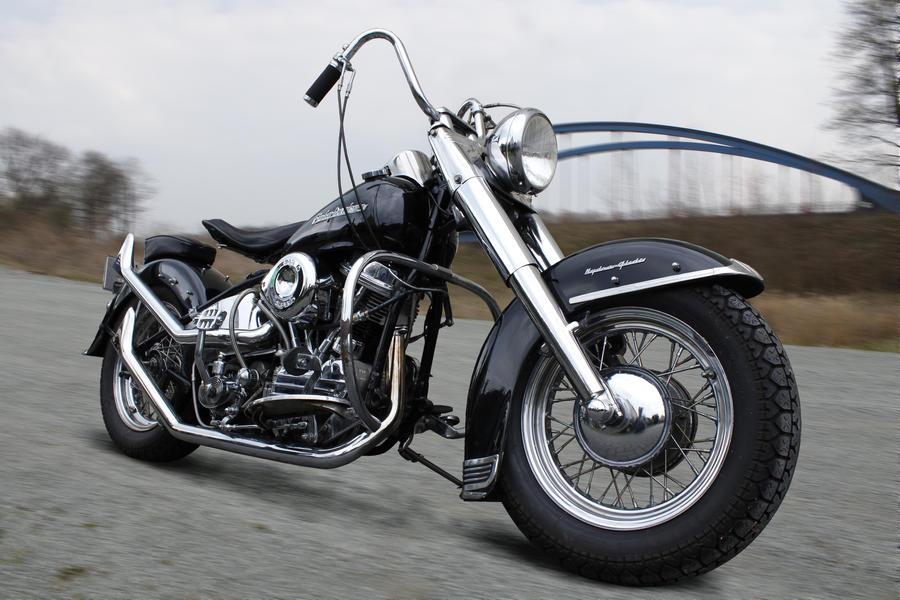 Harley Davidson Dynamisch by DarkDeadRose