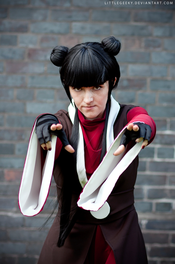 Mai: A Master of Knives by LittleGeeky