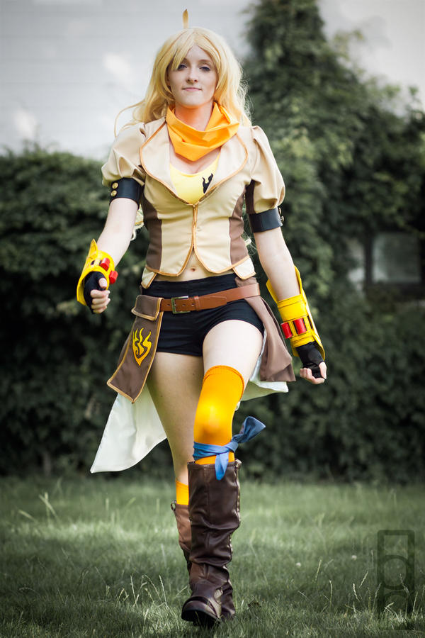 Yang Xiao Long - These boots are made for walking by LittleGeeky ...