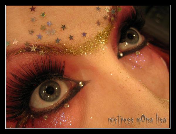 ...Glitters... by MistreSSmOnalisa