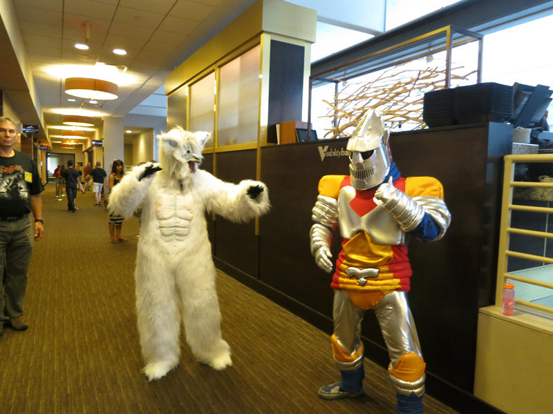 Memories of G-Fest: Jet Jaguar vs. Toho Wolfman by kaijukid