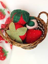 Strawberry basket by evikted