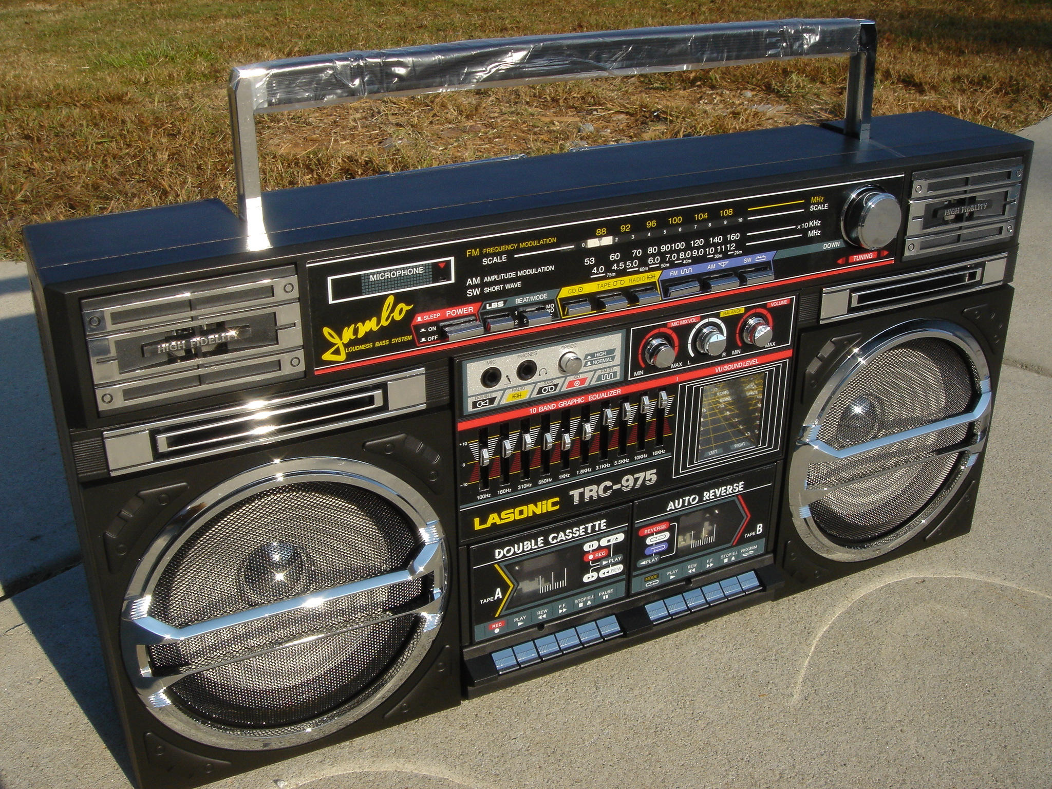 old_school_boombox_by_alyssahsadie.jpg