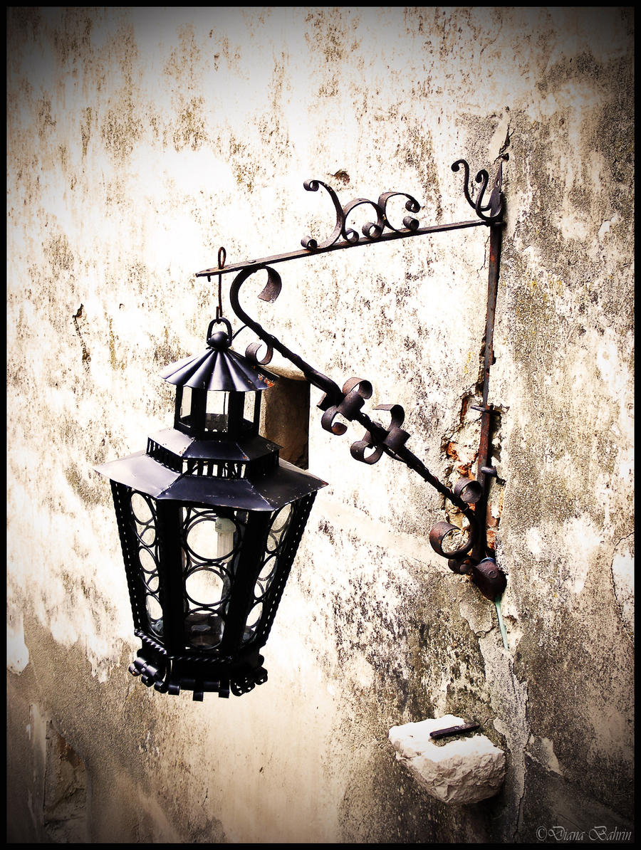Fenjeri i lampe The_Light_That_Would_Fade_by_Lady_Mystica