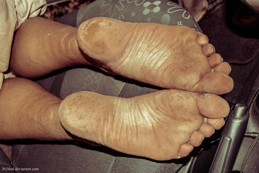Rough soles wife mature sleeping cumshot soles 5