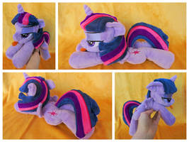 Alicorn Twilight Sparkle Beanie - NYA! by equinepalette