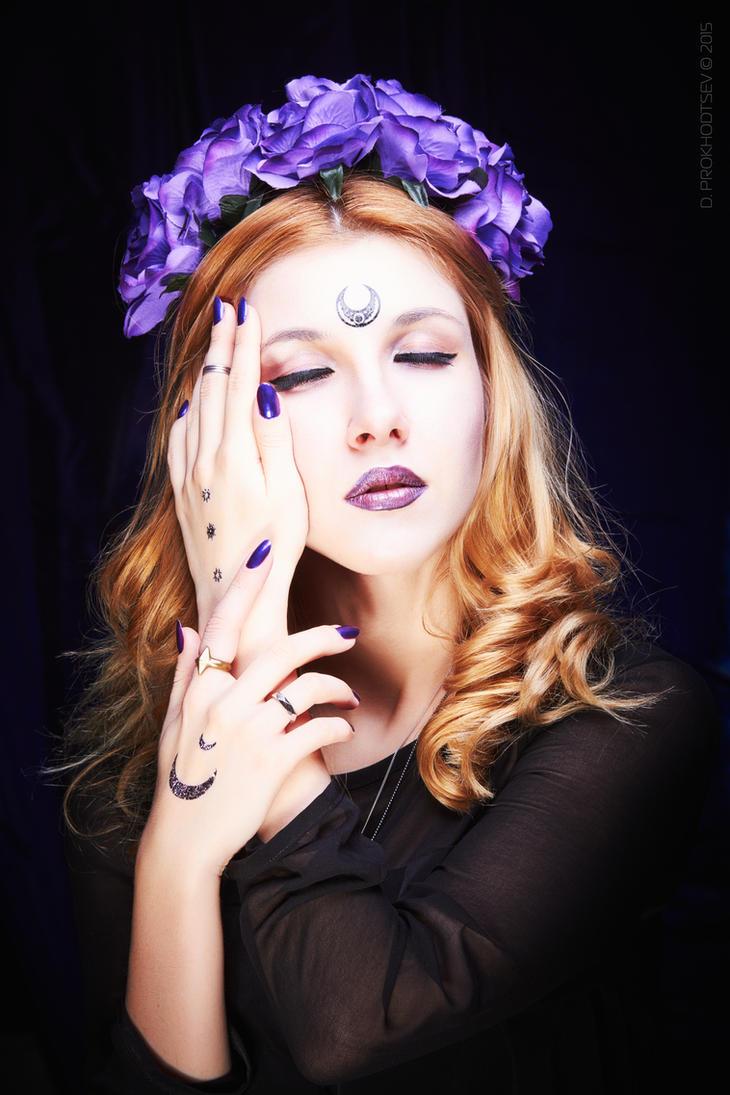 Lilac Moon by DieNessel