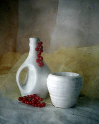 Red and white... by Luciuuu