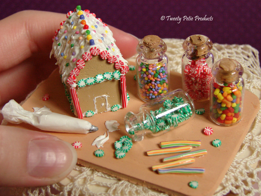 Gingerbread House by birdielover