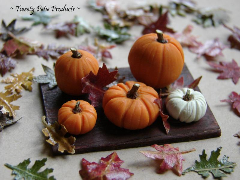 Perky Pumpkin Board by birdielover