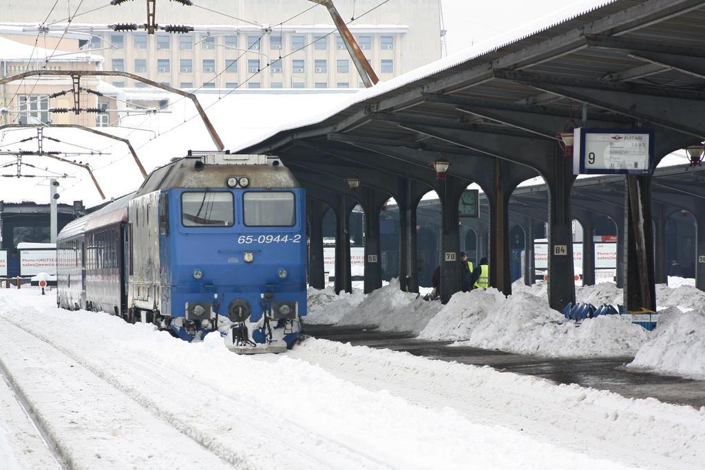 Gara de Nord Winter 2012 by metrouusor