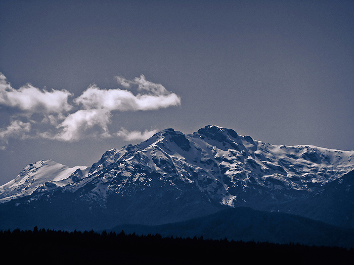 Mountains in Angostura by REGGDIS