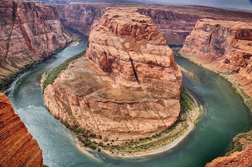 Horseshoe Bend by Tanager