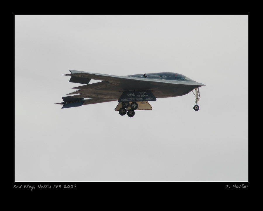 B-2 Approach by jdmimages
