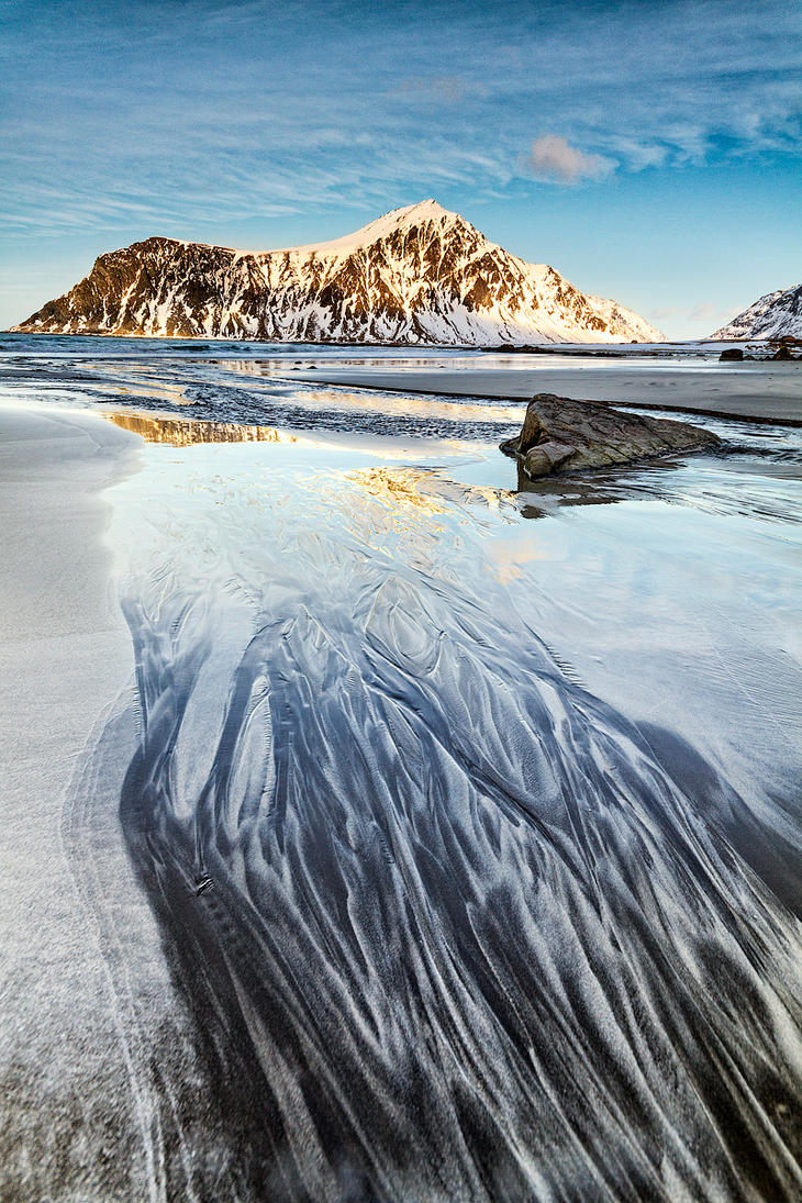 Lines in sand by jViks