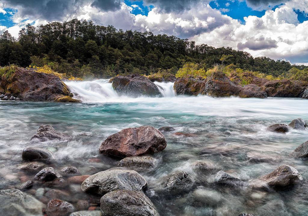 Petrohue Cascades by jViks