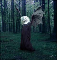Darkwood Huntress by Slickepinne
