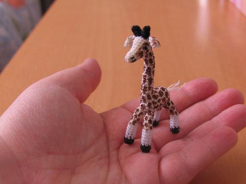 Lil giraffe by lovebiser