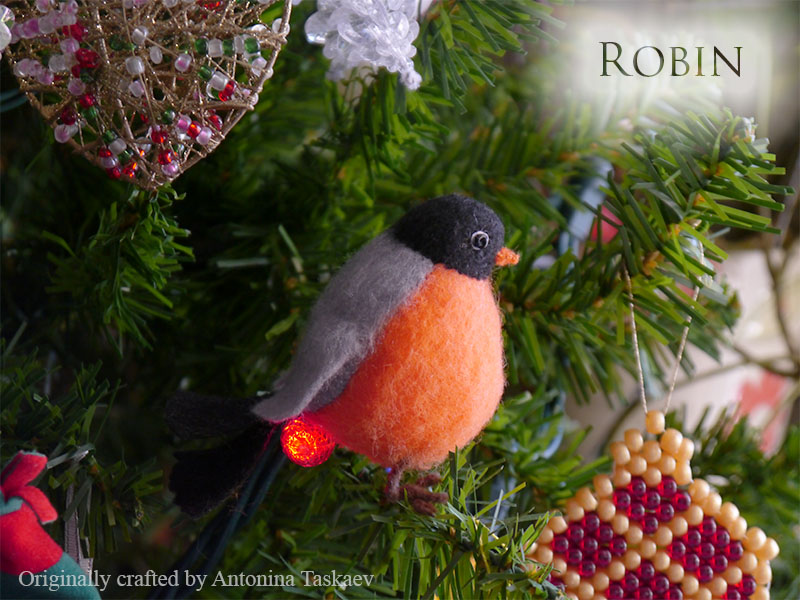 Christmas robin by lovebiser