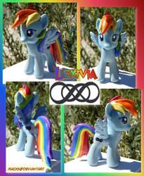 Custom Pony Commish: Lexivia by HeyLookASign