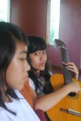 Guitar Girl by balonpecah