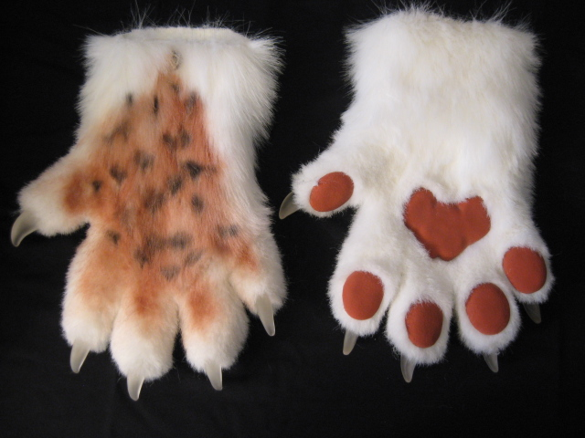 Lynx Paws by Monoyasha