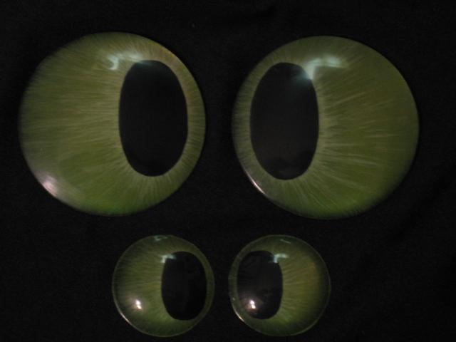 Toothless Eyes Various Sizes by Monoyasha