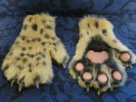 Saberclaw Ocelot Hands by Monoyasha