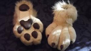 Gold wolf feetpaws by Monoyasha