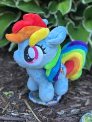 Tiny Rainbow Dash by Sen5