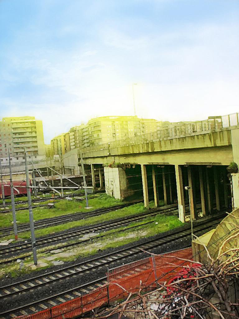 Libero: The bridge over train tracks (2nd Picture)