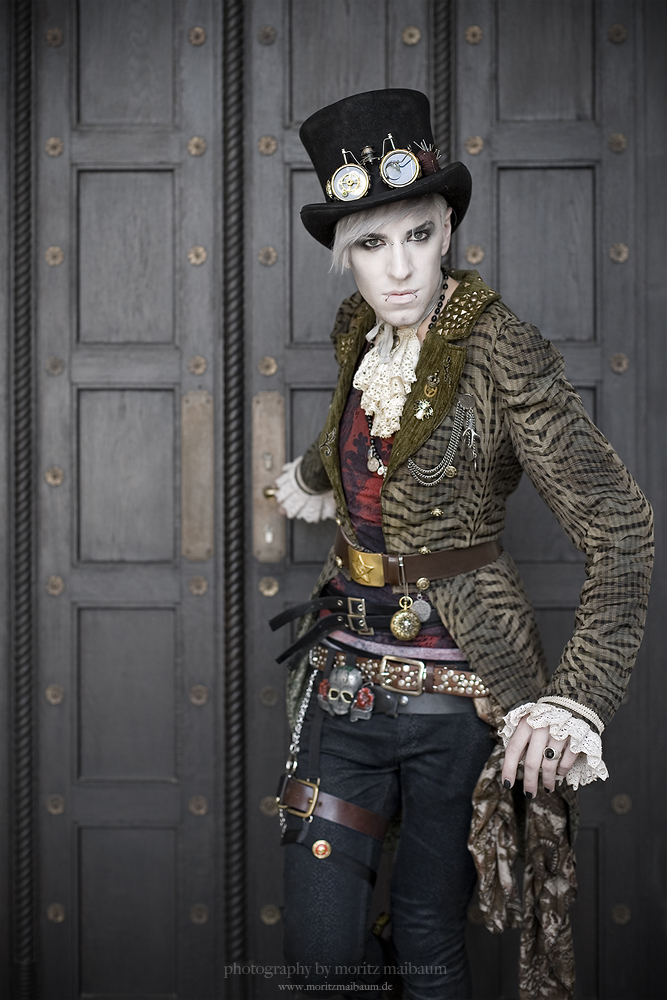 Steampunk Couture by MoritzMaibaum