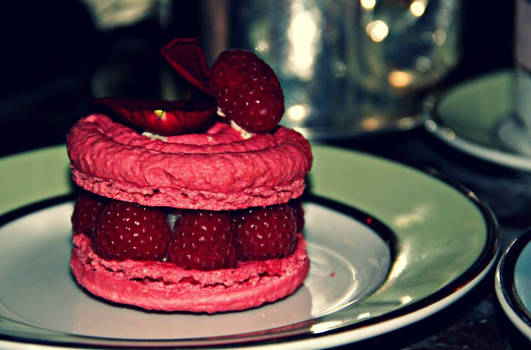 Laduree Raspberry Dessert