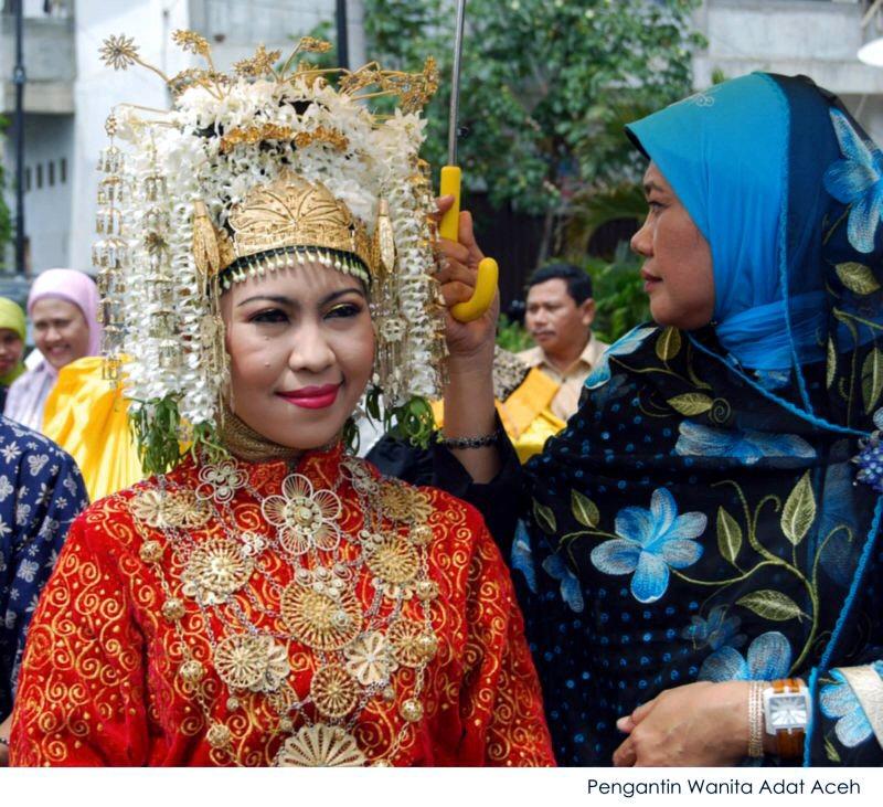 Pakaian Perkawinan Adat Aceh by ifrayaski