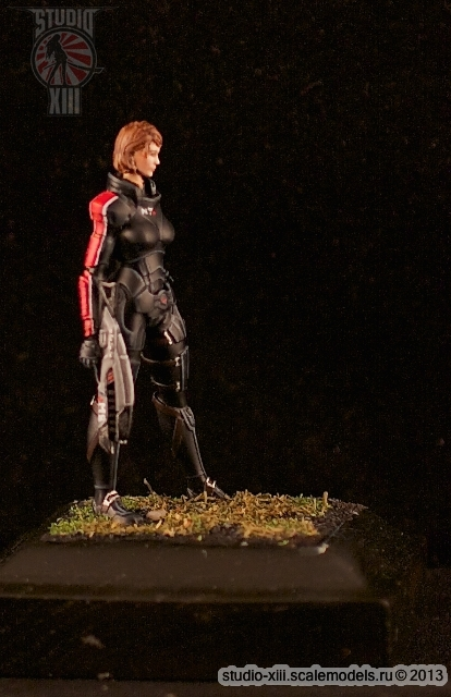 FemShep resin figure by Michael-XIII