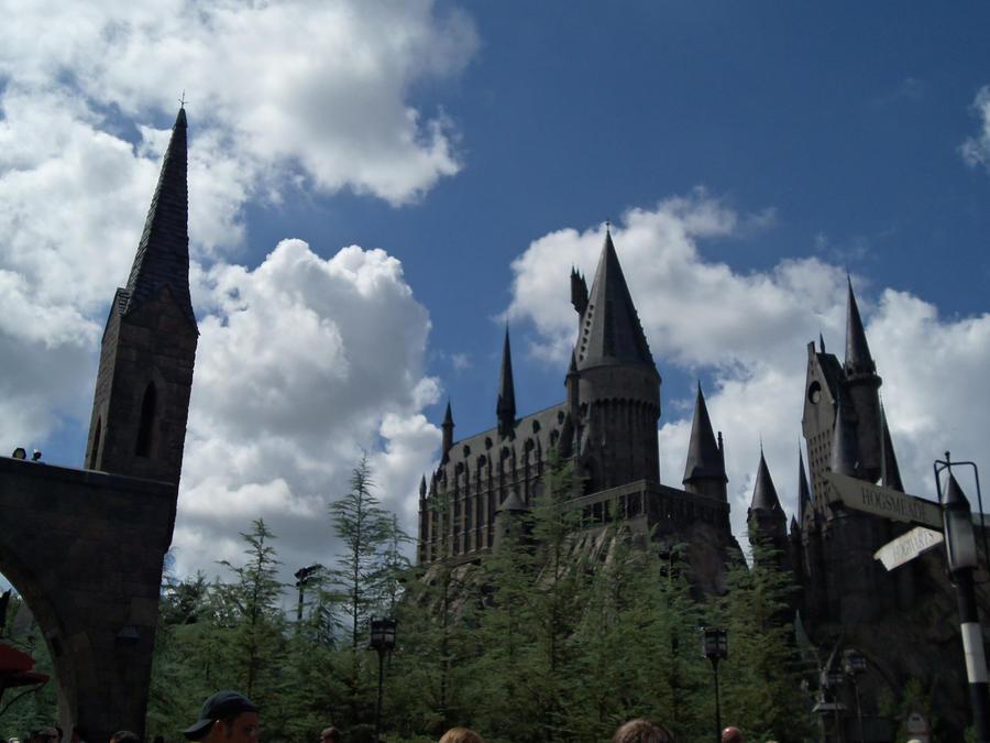 Hogwarts by pepsicola56