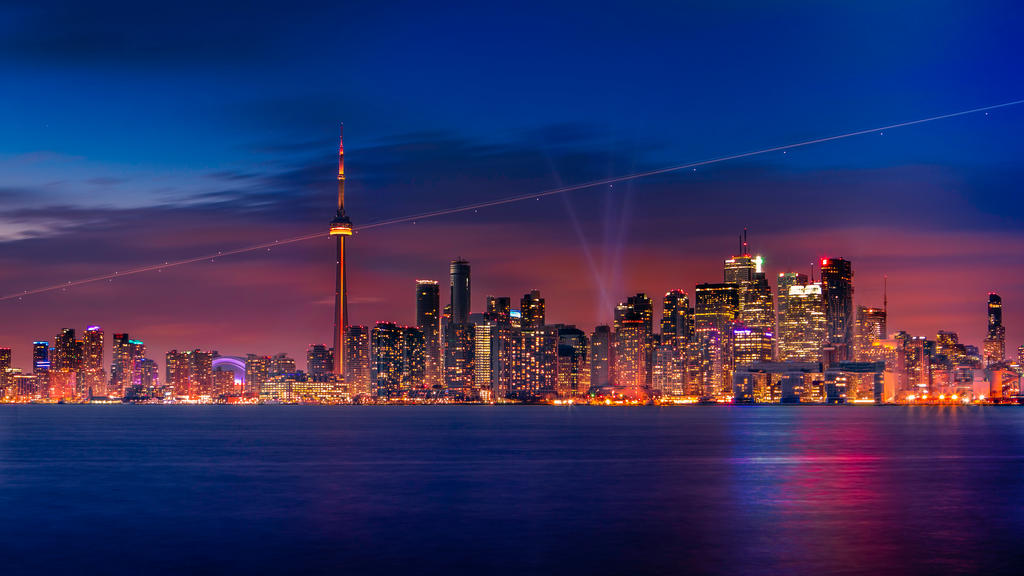 Toronto at Dusk by insomniac199