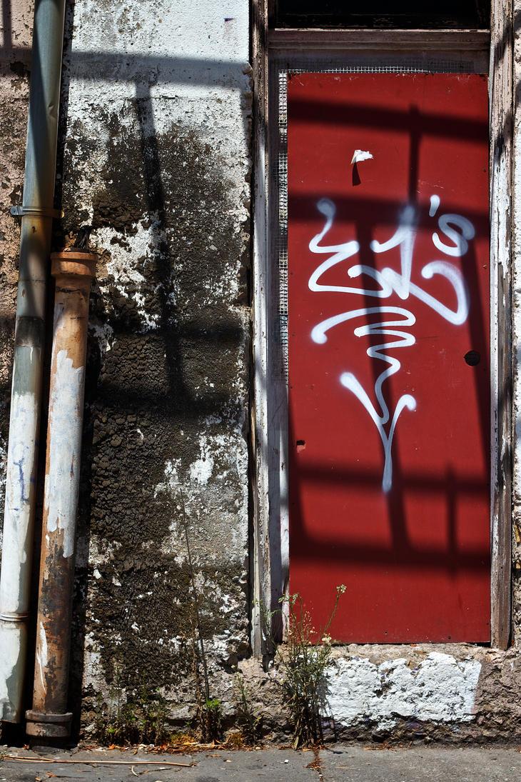 Red Door by AKIRIE