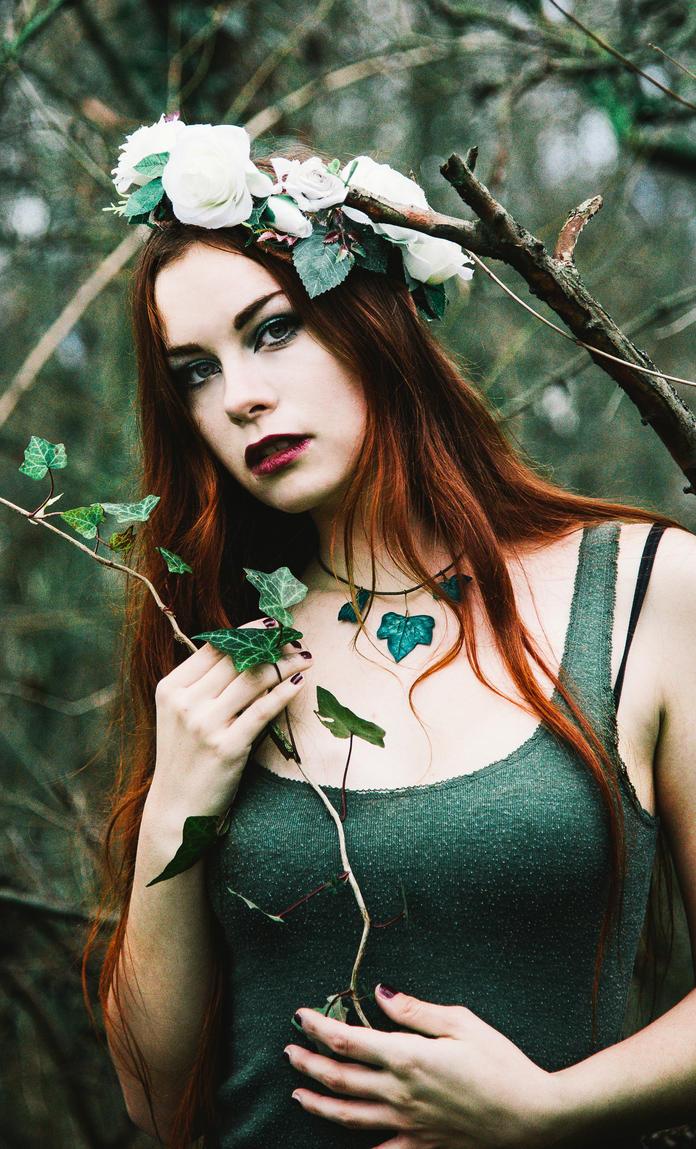 Poison Ivy II by Schlammkrabbe