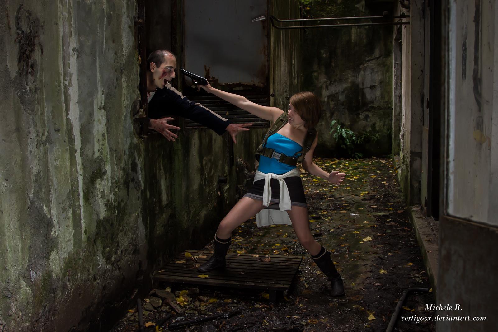Resident Evil 3 - Jill hunted by Zombie by VertigoZX