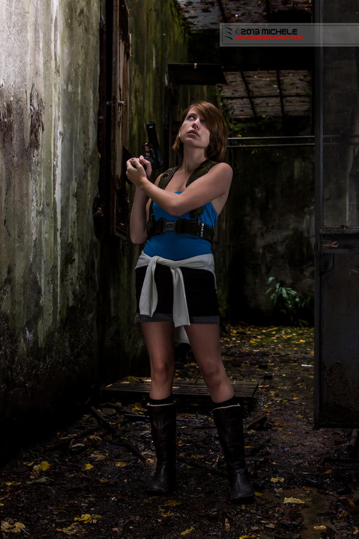 Resident Evil 3 - Jill Staying Alert by VertigoZX