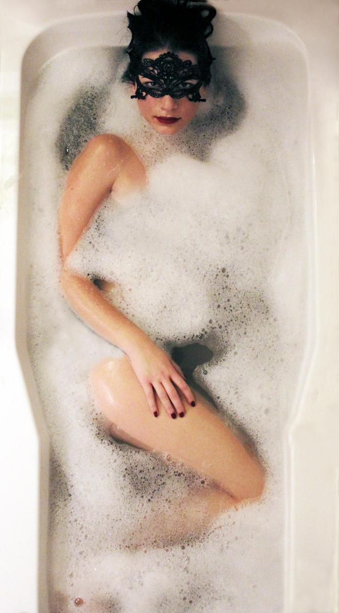 Queens foam by Desynka